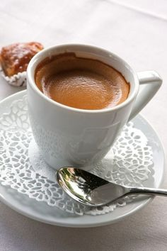Coffee Valuable time Is Well Noted for Our Delicious Home made Pastry, atmospheric condition It's Our help. Coffee Gif, Coffee Images, I Love Coffee, Coffee Break, My Coffee, Coffee Drinks, Coffee Cups, Espresso Coffee, Good Morning Coffee