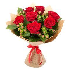 Букет из красных роз и гиперикума — База цветов Alex Flowers