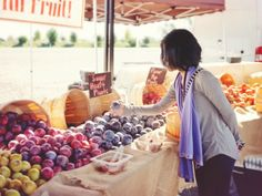 Maximize your trip to the farmers market with these helpful tips.