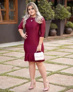 Ideas graduation dress plus size curvy fashion for 2020 Ivory Prom Dresses, Bridesmaid Dresses With Sleeves, Formal Dresses With Sleeves, Green Dress Outfit, Casual Dress Outfits, Graduation Dress Plus Size, Hunter Green Dresses, Big Girl Clothes, Plus Size Summer Dresses