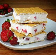 Cool whip, strawberries and Graham crackers. Blend, spread, freeze & eat
