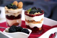 Vendégvárónak is tökéletes! Desserts In A Glass, Cake In A Jar, Asian Recipes, Ethnic Recipes, Food Jar, Street Food, Tiramisu, Mousse, Panna Cotta