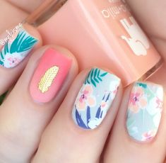 quickie florals @melcisme featuring beautiful nail wraps designed by @ninanailedit for @goscratchit #tropical palm leaf nailart w/ ombre accent nail, perfect summer manicure