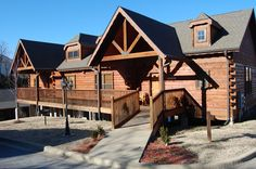 Central, convenient location to many shows, events, entertainment for all ages, and restaurants in Branson, Missouri.  Check it out at www.vrbo.com/402332