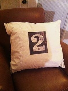 NUMBERED PILLOW - I think I'll screen print some like this.