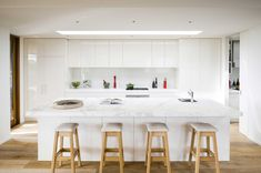 The owners of this beautiful new home on the Mornington Peninsula wanted to make the most of the ocean view, and use the kitchen as an entertaining area.