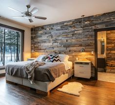 Best Modern Rustic Bedroom For Your Home. We searched the Modern Rustic Bedroom For Your Home color choices for you in the bedroom Rustic Master Bedroom, Home Decor Bedroom, Pallet Wall Bedroom, Pallet Walls, Bedroom With Wood Wall, Wooden Bedroom, Rustic Bedrooms, Bedroom Ideas Master For Couples, Bedroom Furniture