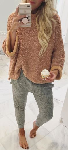 #winter #outfits Saturday's Like These  Sooo Sweet  P.s.... Totally Ate This Cupcake Right After Taking The Pic  P.s.s... How Is There NOT A Cupcake Emoji?!?! ♀️ Shop My Cozy Look Here  @liketoknow.it Http://liketk.it/2tToq #liketkit #ootd #outfitoftheday #lookbook #lookoftheday #picoftheday #fblogger #wiw #whatiwore #selfie #instadaily #instagood #instafashion #instastyle #fashionblogger #fashiondiaries #fashionblog #fashiongram #fashion #fashionista #fashionlover #fashionable #fashionpost…