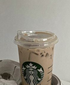 Comida Do Starbucks, Café Starbucks, Bebidas Do Starbucks, Cream Aesthetic, Aesthetic Coffee, Brown Aesthetic, Aesthetic Food, Coffee Love, Hot Coffee