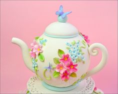 how to make a teapot cake | close up teapot cake 46 9