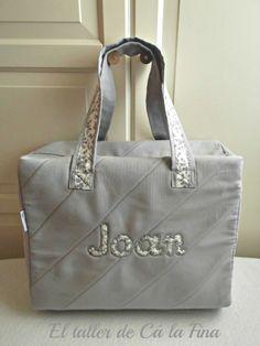 Bolsa de paseo personalizada para Joan #bebes #canastillas