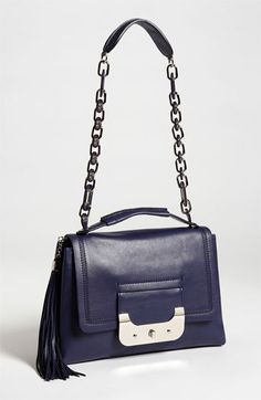 I love the style of this bag...I just wish it wasn't so heavy....