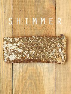 Shimmer me timbers! (Corny, I know, but oh such a beautiful clutch!)