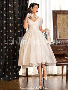 Cвадебное платье из тафты чайной длины, с V-образным вырезом - RUB p. 3 662,77