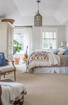 Simply Beautiful Home Tour from Saw, Nail, and Paint