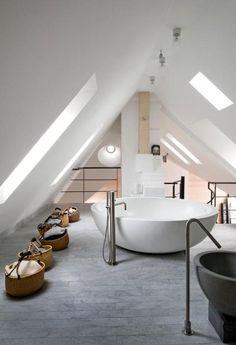 Une salle de bain toute en rondeur