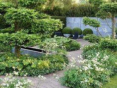 Лунный сад: 11 идей для обустройства   http://idesign.today/landshaftnyj-dizajn/lunnyj-sad