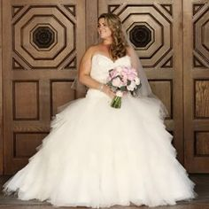 This bride, who knew that her wedding day was the perfect time for a princess moment: | 26 Curvy Brides Who Nailed The Wedding Dress Game