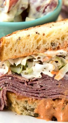 Brooklyn Avenue Sandwich with Pastrami, Cole Slaw, Russian Dressing & Rye Best Sandwich Recipes, Sandwich Shops, Lunch Recipes, Beef Recipes, Cooking Recipes, Sandwich Ideas, Cleaning Recipes, Sandwich Toaster, Pastrami Sandwich