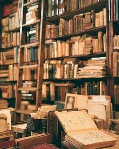 Bom dia :) . Credits to @kovacnica.prica . #book #books #bookworm #bookstagram #booklover #bookme #instabook #instaread #instagramanet #instatag #booknerd #bookstore #bookporn #booknow #bookaholic #bookshelf #booklove #bookmark #bookaddict #read #reading #reader #readingtime #readingfestival #literature #literatura #stories #words #text