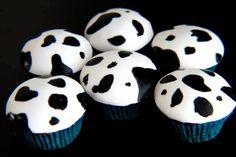 cow cupcakes x Cow Cupcakes, Cartoon Cupcakes, Cartoon Cookie, Animal Cupcakes, Cupcake Cookies, Cupcake Day, Beautiful Cupcakes, Cow Print, Love Cake