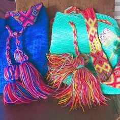 Mayan Morral Bag tassel by Otomiartesanal. Maya, Side Purses, Bag Crochet, Embroidery Techniques, Hand Knitting, Etsy, Weaving, Artisan, Margarita