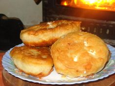 408411_533809533305201_1196015310_n Naan, Greek Cooking, Finger Foods, Food To Make, Favorite Recipes, Breakfast, Savoury Pies, Pastries, Cocktails