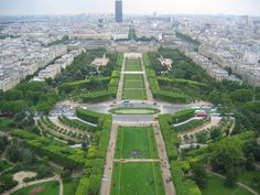 at least half a day strolling the Jardin des Tuileries