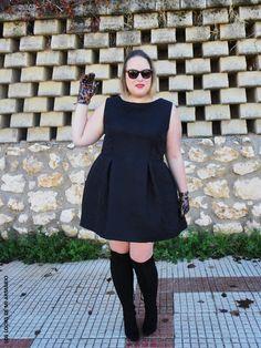 pink-black-look-vestido-negro-little-black-dress-vestido-y-mi-dedal-los-looks-de-mi-armario-blogger-madrid-curvy-plus-size-talla-grande-personal-shopper-madrid-02