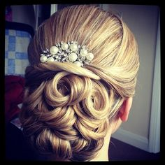 i love this hairstyle too...