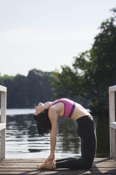 Detox Yoga Class in Treptower Park http://yogomotive.com/blog/interview/holistic-yoga-berlin/  fot. Maria Schramm for Yogomotive