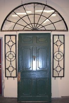 www.oldhouseweb.com What a beautiful door built in 1796.
