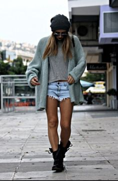 Sweater combat boots beanie Casual Summer Outfits 54e046ab9cfe