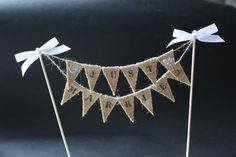 Just Married Wedding cake topper, cake banner with burlap / hessian mini cake bunting, cake flags for rustic wedding, hessian wedding Wedding Cake Rustic, Chic Wedding, Summer Wedding, Table Wedding, Wedding Ideas, Wedding 2015, Wedding Reception, Wedding Cupcakes, Wedding Cake Toppers