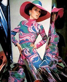 L'Officiel March 1967  Jeanne Lanvin - photo Guégan