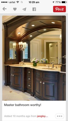 "Check Out 35 Best Traditional Bathroom Designs. Almost every style is derived from the ""Traditional"" style. With that in mind, a formal home is the most appropriate for the traditional bathroom style. Dream Bathrooms, Beautiful Bathrooms, Master Bathrooms, Master Baths, Black Bathrooms, Chic Bathrooms, His And Hers Sinks, Traditional Bathroom, My Dream Home"