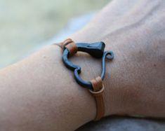 bracelet cœur réalisé avec un clou de fer à cheval Plus