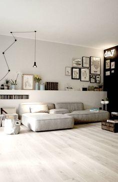 Sfoglia le immagini di Soggiorno in stile in stile Eclettico % di Private Flat. Lasciati ispirare dalle nostre immagini per trovare l´idea perfetta per la tua casa.