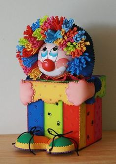 Kids Crafts, Foam Crafts, Diy And Crafts, Paper Crafts, Clown Party, Circus Party, Carnival Birthday Parties, Circus Birthday, Creative Gift Wrapping