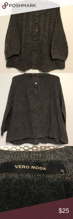 Vero Moda O-neck loose fitted knit gray cardigan. Loosely fitted gray button down cardigan. Has a knit cable on the sleeves. Looks brand new. Size xs. vero moda Sweaters Cardigans