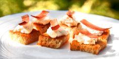 Snacks med chevre og spekeskinke