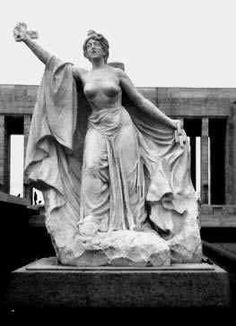 Hoy cumple años LOLA MORA:      Quien fuera la primera escultora Argentina y Sudamericana. Cuestionada y prohibida por supuestas transgres...