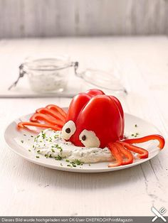 Octopus in the dip - Essen für Kinder - Party Cute Food, Good Food, Yummy Food, Food Art For Kids, Food Carving, Cooking Recipes, Healthy Recipes, Snacks Recipes, Drink Recipes