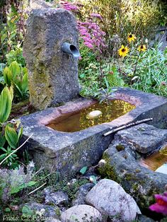 Sandsteinbrunnen Small Fountains, Stone Fountains, Garden Fountains, Garden Pond, Love Garden, Garden Paths, Water Garden, Home And Garden, Outdoor Water Features
