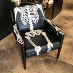 DIY Halloween Inspiration. Pinterest seems to be the source for this #skeleton chair. #halloween