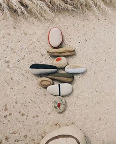 Keepsake The Label Keepsake The Label, Leather Art, Beach Stones, Illustrations, Stone Painting, Diy For Kids, Art Direction, Painted Rocks, New Art