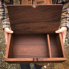 Solid walnut writer's box, for x paper and pens/pencils. This heirloom box makes a great gift for just about anyone, and is very popular for weddings and graduations. Wooden Gift Boxes, Wooden Jewelry Boxes, Wood Boxes, Jewellery Boxes, Wooden Pencil Box, Pencil Boxes, Wooden Hinges, Wooden Box Designs, Woodworking Box