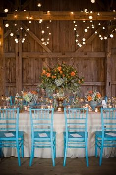Barns and antique items are always a sure way of sticking to your country theme ;) - country wedding ideas