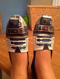 Star Wars R2D2 TOMS. $110.00, via Etsy.