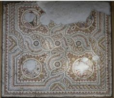 Mosaic pavement with medallions and geometric patterns (late roman period 5th century) from Antioch - the heads of the seasons were probably previously sold on the market - Princeton University Art Museum